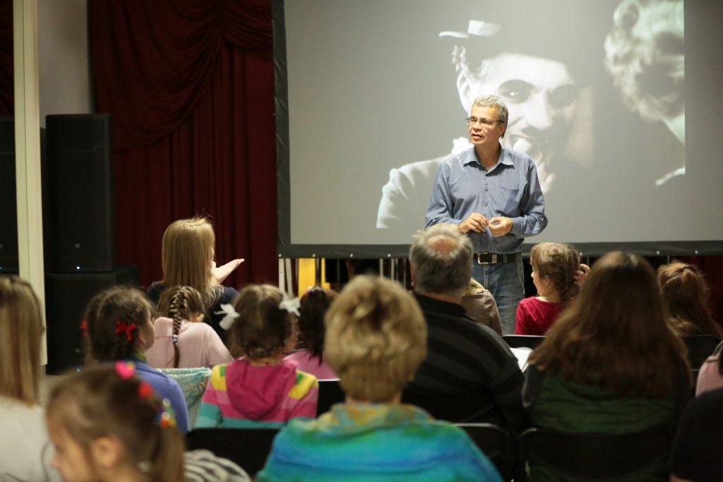 Молодежь научат снимать фильмы в Сосенском