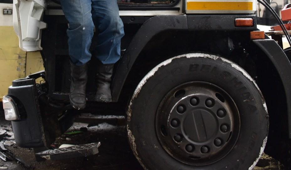 Водитель легковушки госпитализирован после массового ДТП на юге Москвы
