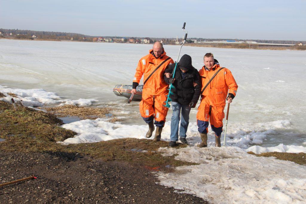 Патруль водоемов: спасатели Новой Москвы проверили безопасность