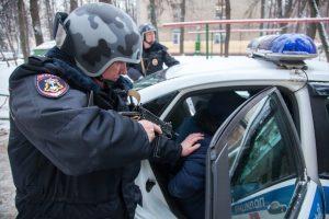 Спецназ в Москве задержал подозреваемых в нападении на АЗС