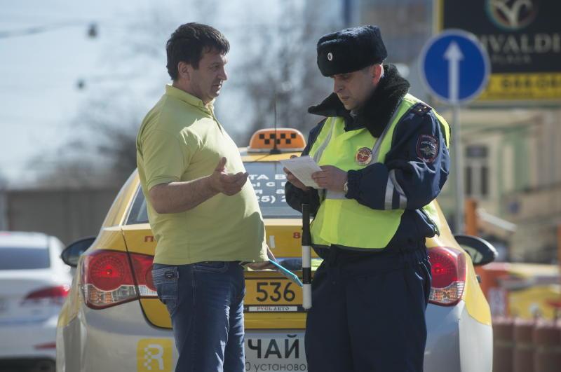Водителям с иностранными правами запретят работать в России