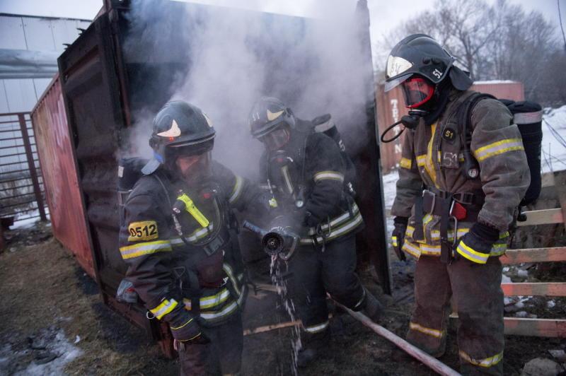 Специалисты устанавливают причины пожара в приюте для животных