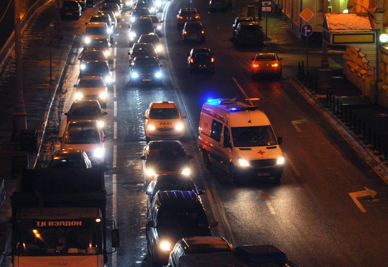 Проверка ведется после столкновения трех грузовиков на МКАД