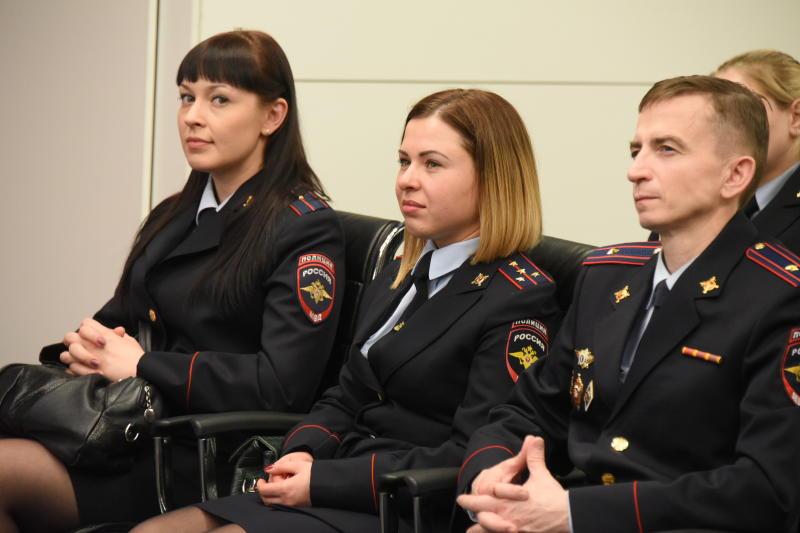 Сотрудники полиции отчитаются перед населением