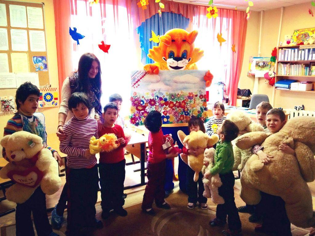Победитель программы «Минута славы» провел занятие в детском доме «Солнышко»
