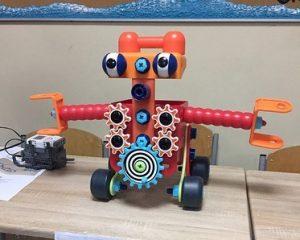 Робот-Румба. Проект школьников на научном фестивале. Фото: школа №1392 имени Дмитрия Рябинкина