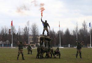 Боевую выучку демонстрируют бойцы отряда особого назначения. Фото: Владимир Смоляков