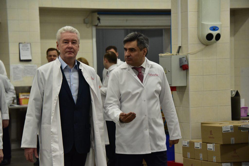 Сергей Собянин: в Москве производится порядка 14 процентов парфюмерии России