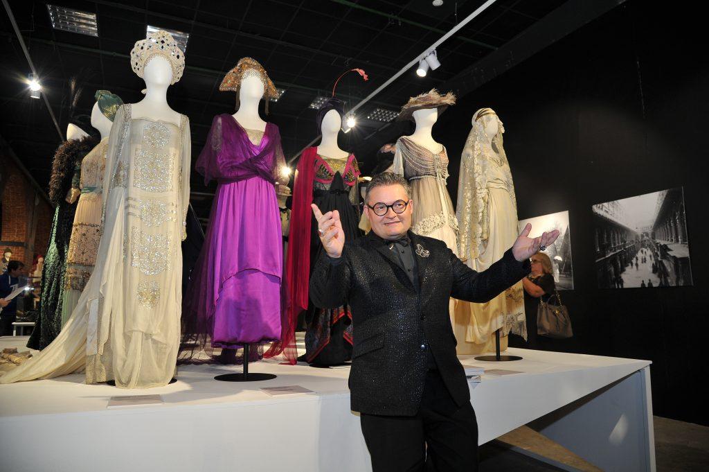 Модные платья времен Революции представили в Музее Москвы