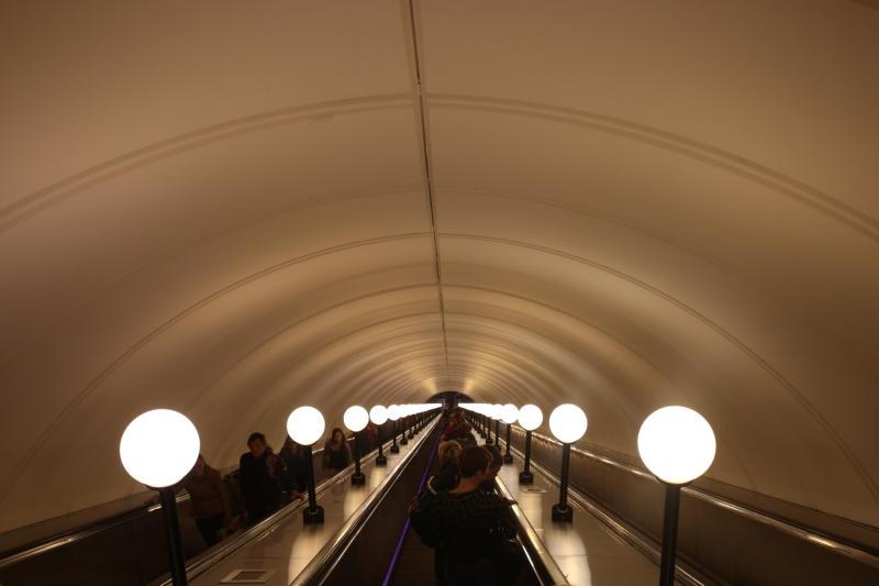 С Днем космонавтики горожан поздравят в московском метро