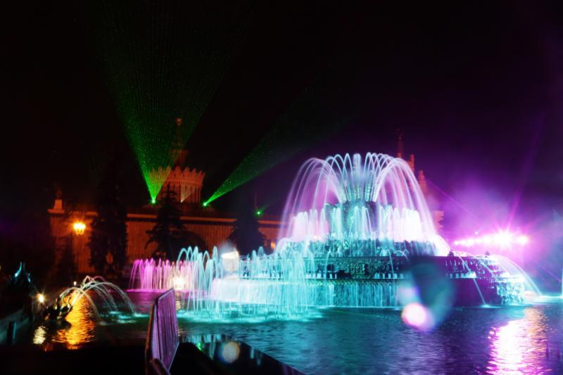Фонтаны в Москве снова запущены
