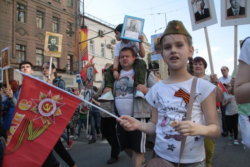 Тематические плакаты украсят Москву к 9 мая
