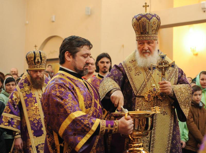 Богослужение в память о погибших в Санкт-Петербурге проведет Патриарх Кирилл