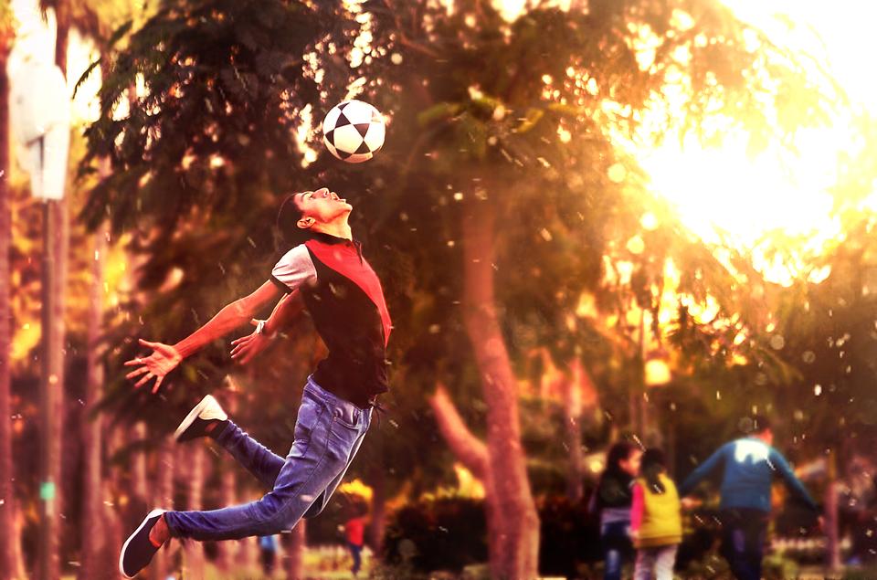 Праздник футбола: соревнования в Десеновском посвятят Дню Победы