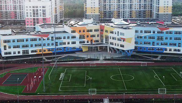 Самой крупной школе Новой Москвы исполнится 153 года