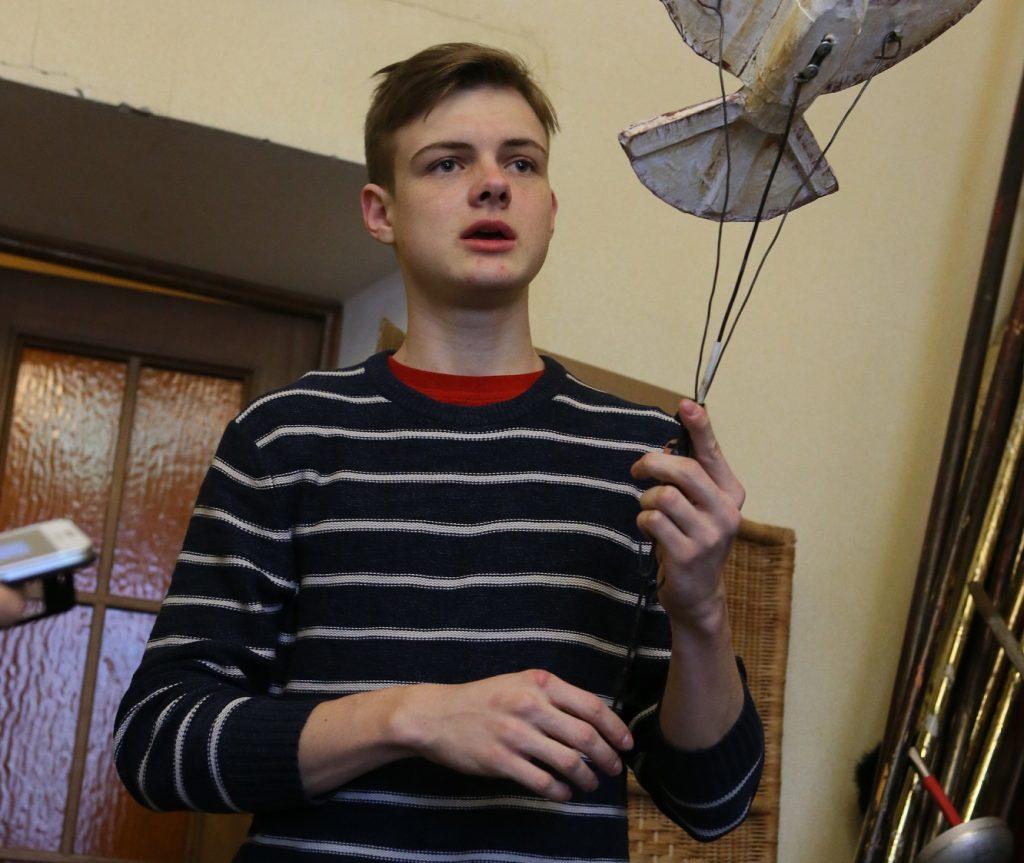 В новом сериале «Про Веру» актер Влад Новицкий сыграл одну из главных ролей. Но и о родном театре «Артель» он не забывает. Фото: Виктор Хабаров