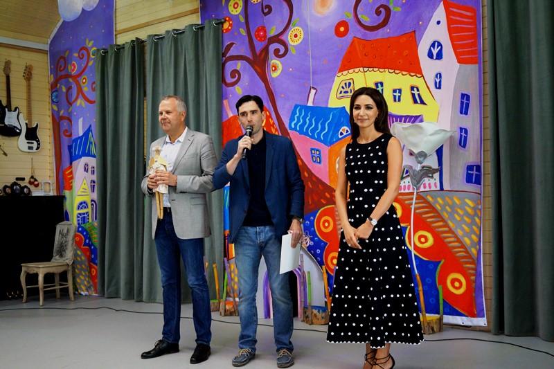 Певица Зара провела концерт в детском доме-интернате поселения Филимонковское