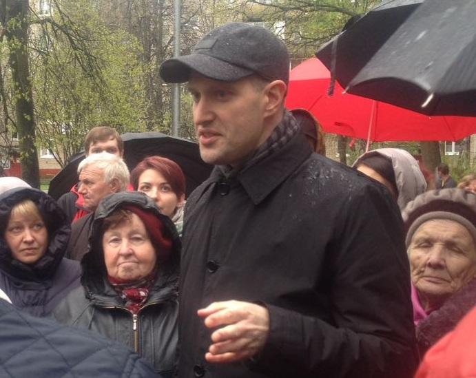 Стихийный митинг за реновацию прошел в поселении Кокошкино