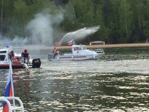 Занятие по обеспечению безопасности на воде провели для спасателей Москвы. Фото: Юсуп Утегенов