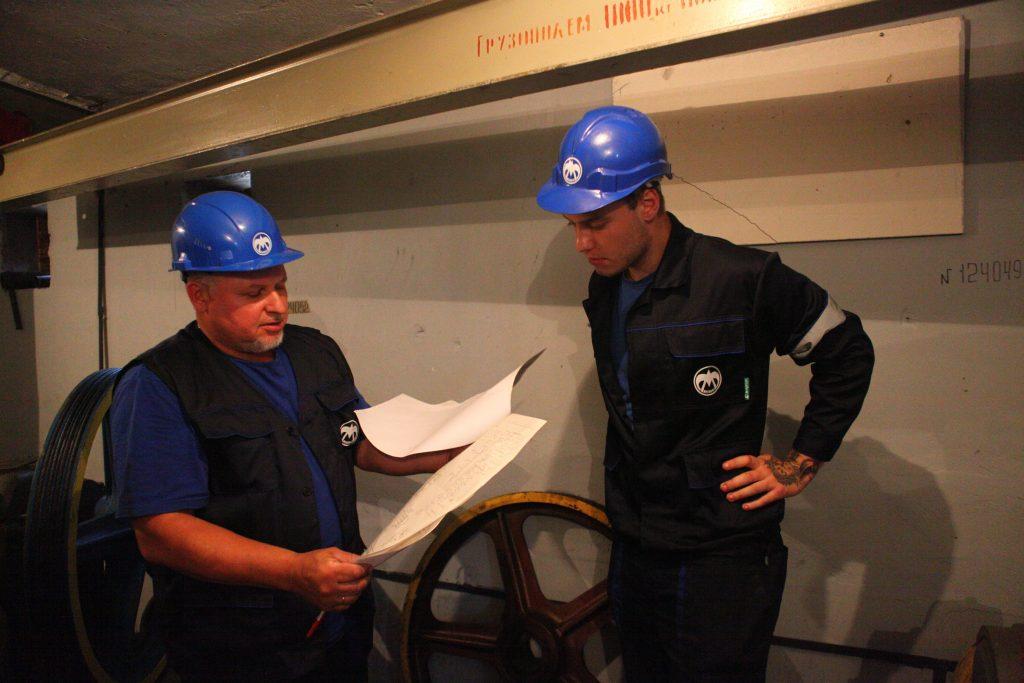 Лифты двух жилых зданий заменят в Коммунарке