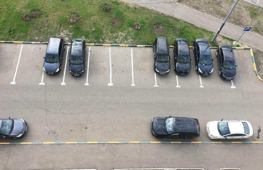 Новые парковочные карманы благоустроят в Марушкинском. Фото: Мария Иванова