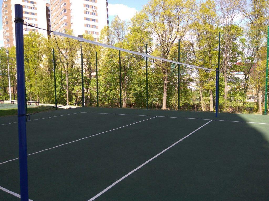 Стационарную сетку для волейбола установили в Коммунарке