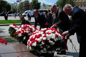 Жители возложат цветы к памятникам Пушкову и Верещагину. Фото: Владимир Новиков