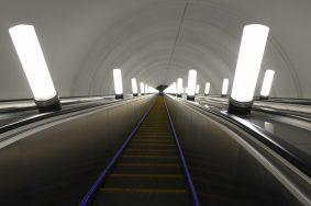 Рабочие поменяют пути между станциями «Октябрьская» и «Проспект Мира». Фото: Владимир Новиков