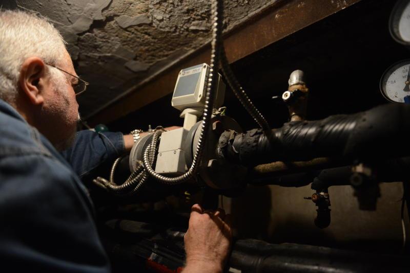 Энергетики назвали дату отключения горячей воды в Москве