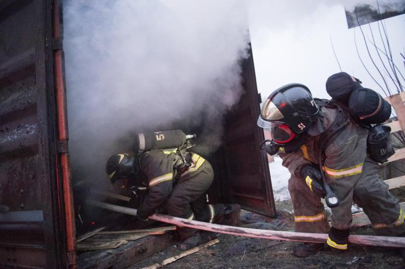 Пожарные ликвидировали пожар в троллейбусе на юго-западе Москвы