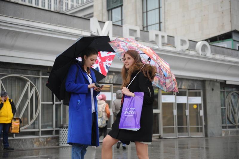 Дожди и сильный ветер сохранятся в Москве 1 июня