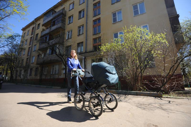 Власти Москвы выделят средства из бюджета города на поддержку семей с детьми. Фото: архив, «Вечерняя Москва»