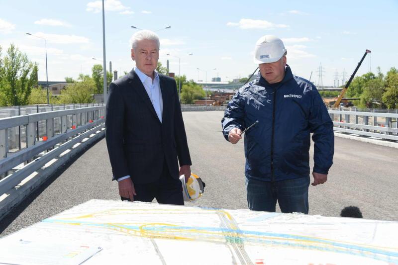 Мэр Москвы Сергей Собянин осматривает строительство шоссе Энтузиастов. Фото: архив