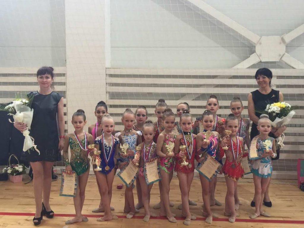 Девять медалей завоевали щербинские гимнастки на турнире «Цветущий май»