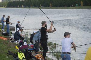 Лето — идеальное время для рыбалки. Фото: Артем Житенев