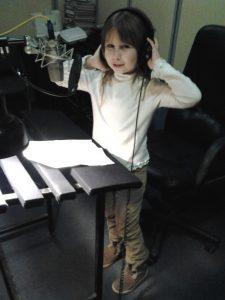 В студии Первого канала во время озвучания новогодней программы. Фото из личного архива