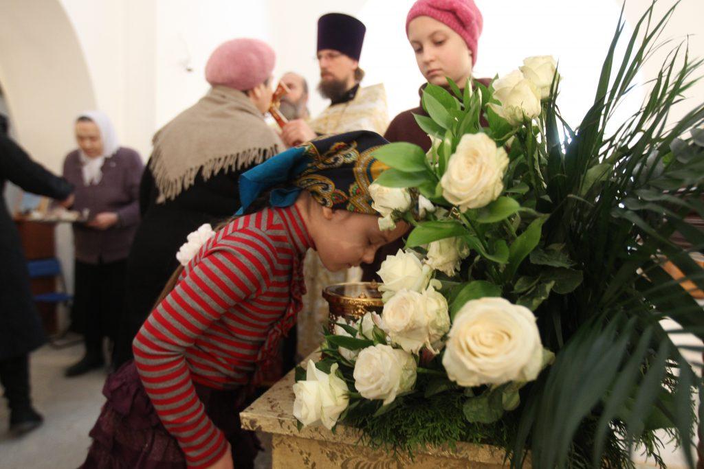В феврале 2016 года в поселении, в храме Воскресения Господня, был выставлен ковчег с частицей Хитона Господня. Фото: Владимир Смоляков