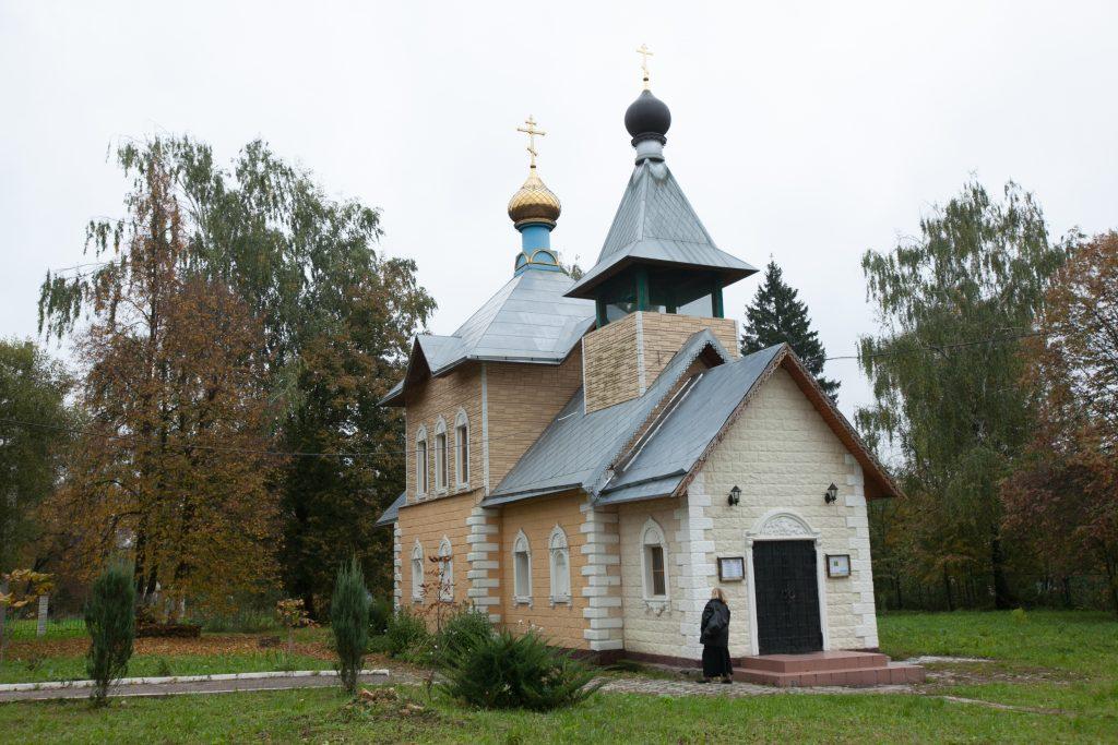 Верующим жителям поселения теперь есть где помолиться. Фото: Владимир Смоляков
