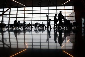 Местные цены значительно превышают свои аналоги вне стен аэропортов. Фото: Анна Иванцова