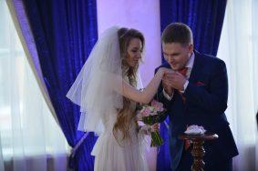 В День Петра и Февронии поженятся более 1,1 тысячи пар Москвы
