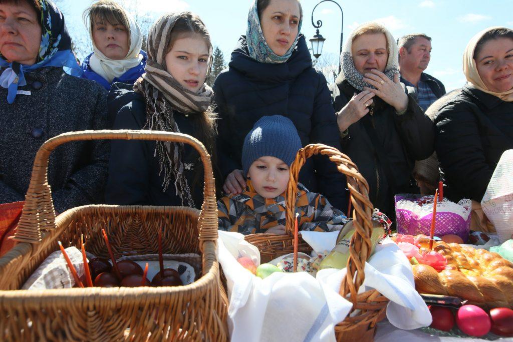 Пасхальная благотворительная ярмарка. Фото: Виктор Хабаров