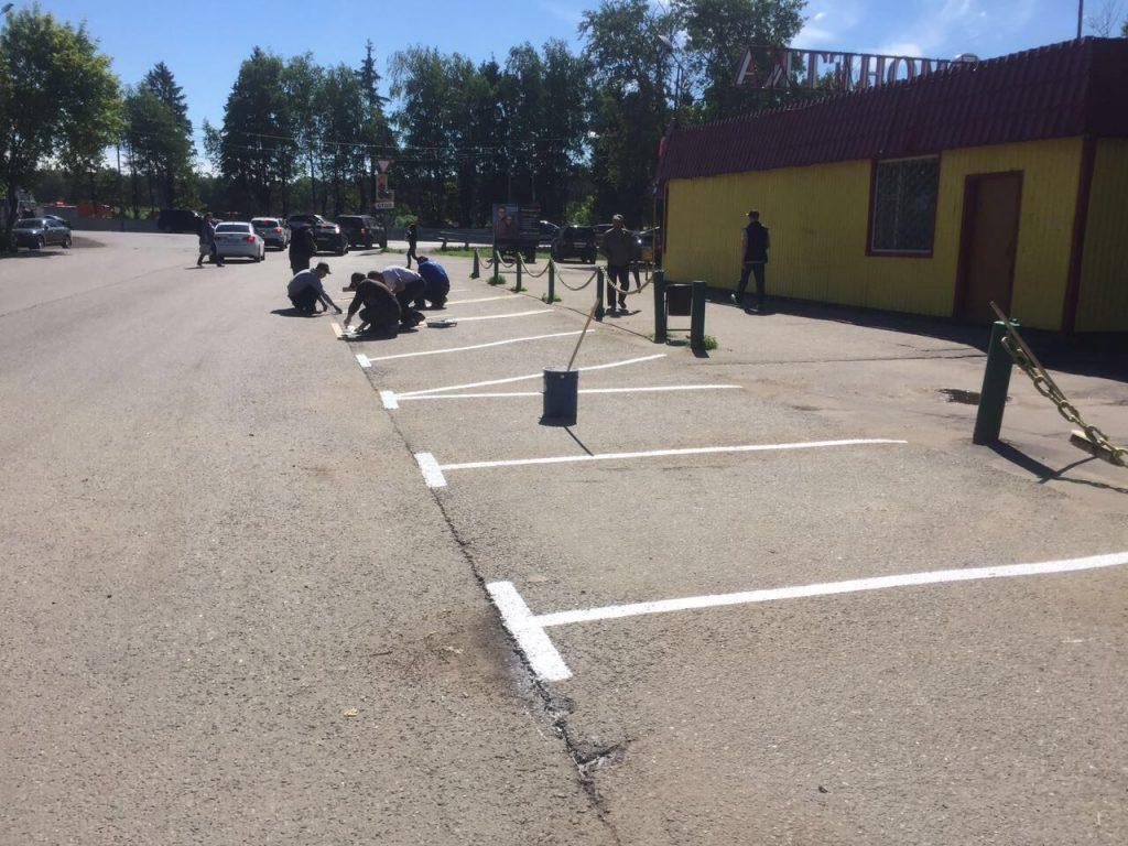 Разметку нанесут на парковках в Десеновском