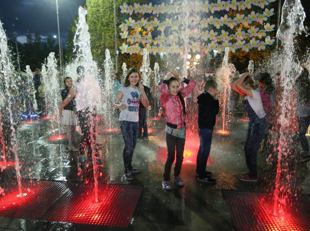 Музыкальный фонтан в Московском будет работать по летнему расписанию