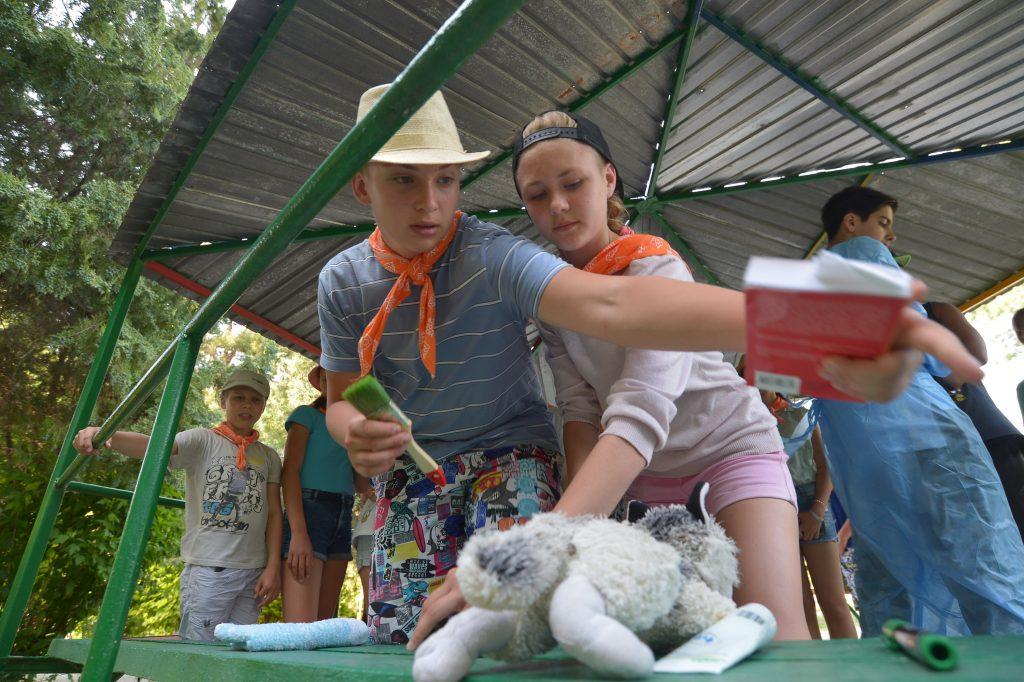 Путевка в добрые каникулы: 40 школьников отправятся в лагерь при храме в село Сальково