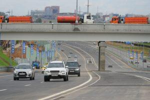 Транспорт будет курсировать по районным дорогам и по Калужскому и Киевскому шоссе. Фото: Виктор Новиков