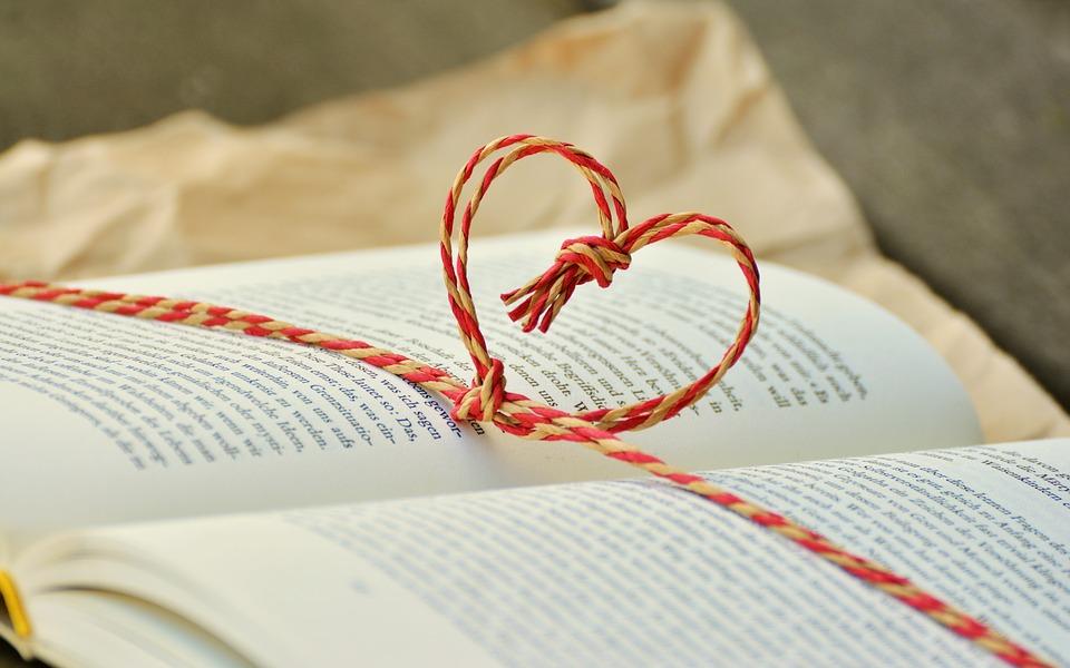 День семьи, любви и верности отметят в библиотеках Десеновского