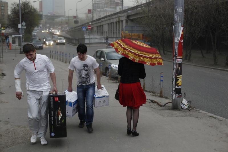 Росгидромет снова предупреждает об усилении ветра в Москве