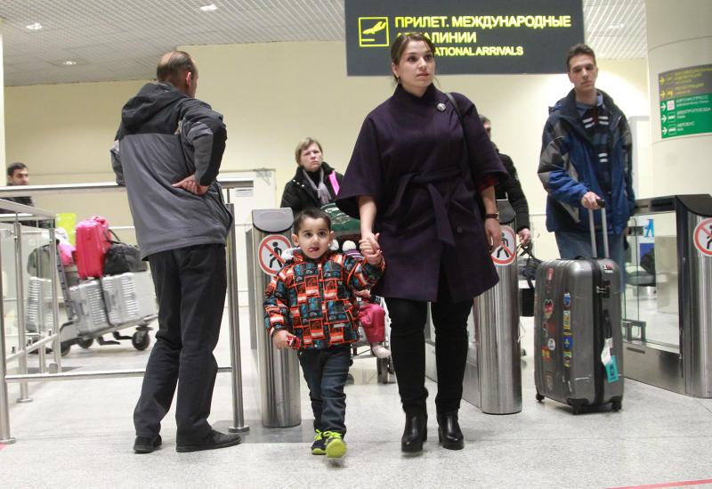 Аэропорты Москвы задерживают и отменяют рейсы из-за непогоды