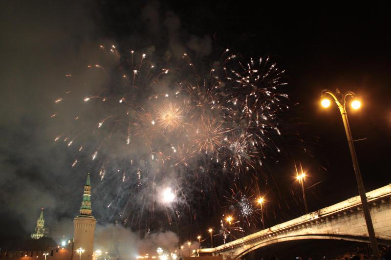 Грандиозный салют планируется в Москве в честь Дня России