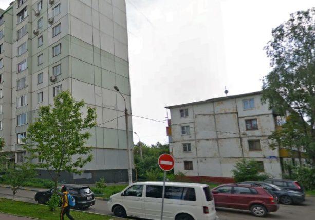 Дорожные знаки и «лежачего полицейского» установят в одном из дворов Щербинки